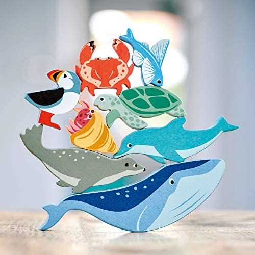 51KbZypZHTL. AC  - Tender Leaf Toys Coastal Creatures – 8 Wooden Ocean Animal Figurines with a Display Shelf - Classic Toy for Pretend Play – Develops Creative & Imaginative Skills – Learning Role Play – Ages 3+ Years