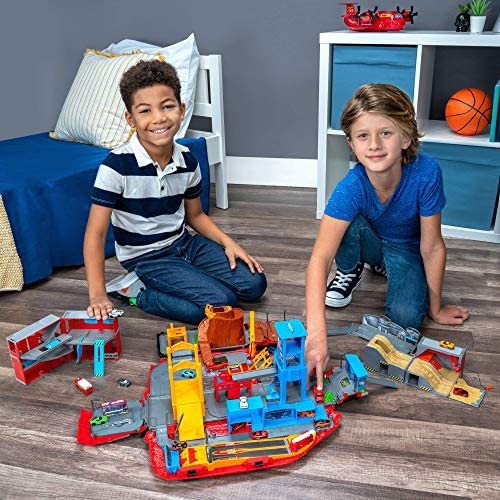 610zI2CzR+L. AC  - Micro Machines Super Van City Playset - Includes 12 MM Vehicles, Working Bridge, Construction Site, High Rise Building, Drag Strip, Ramps - Collect Them All - Amazon Exclusive