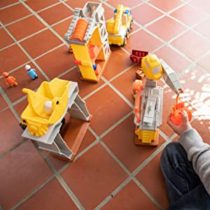 d1a581c8 676d 4e5d bd2d 7ed0fc54ffb9.  UX300 V1    - Fat Brain Toys Construction Site Playset Imaginative Play for Ages 3 to 4