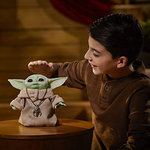 41Czs6uVylL. AC  - Star Wars The Child Animatronic Edition 7.2-Inch-Tall Toy by Hasbro with Over 25 Sound and Motion Combinations, Toys for Kids Ages 4 and Up